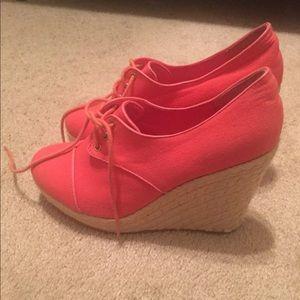 High heel sneaker